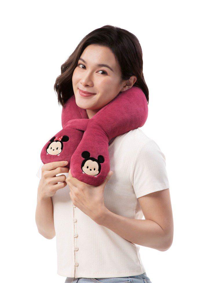 OSIM按摩圍巾Tsum Tsum限定聯名款,可用於肩頸、小腿、腰部放鬆。圖/O...