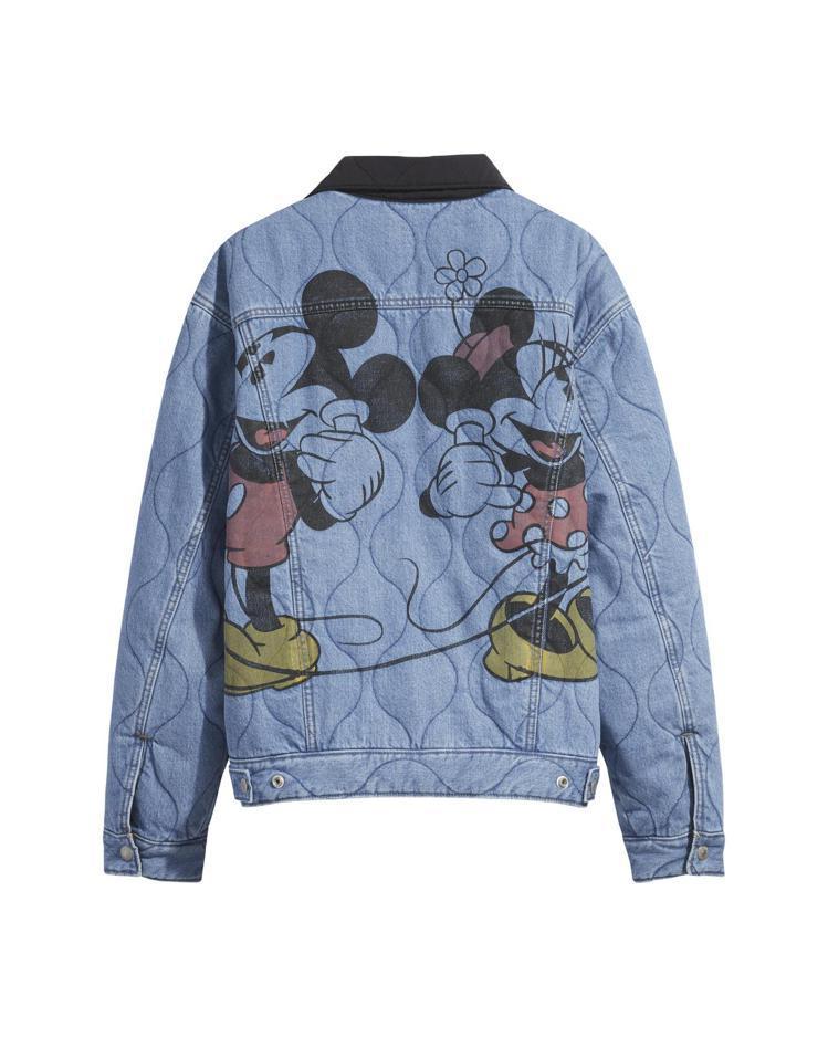 LEVI'S與迪士尼合作系列雙面牛仔夾克5,490元。圖/LEVI'S提供