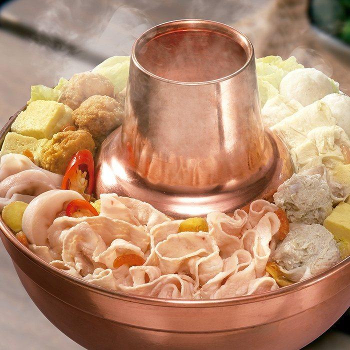 阿官火鍋酸菜白肉鍋,7-ELEVEN預購價599元。圖/7-ELEVEN提供