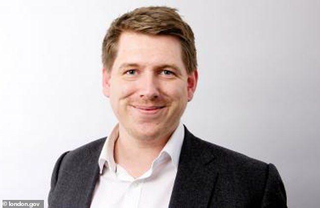 現年33歲的斯坦納為倫敦市長可汗的政治公關主任,年薪高達12萬英鎊(約新台幣45...