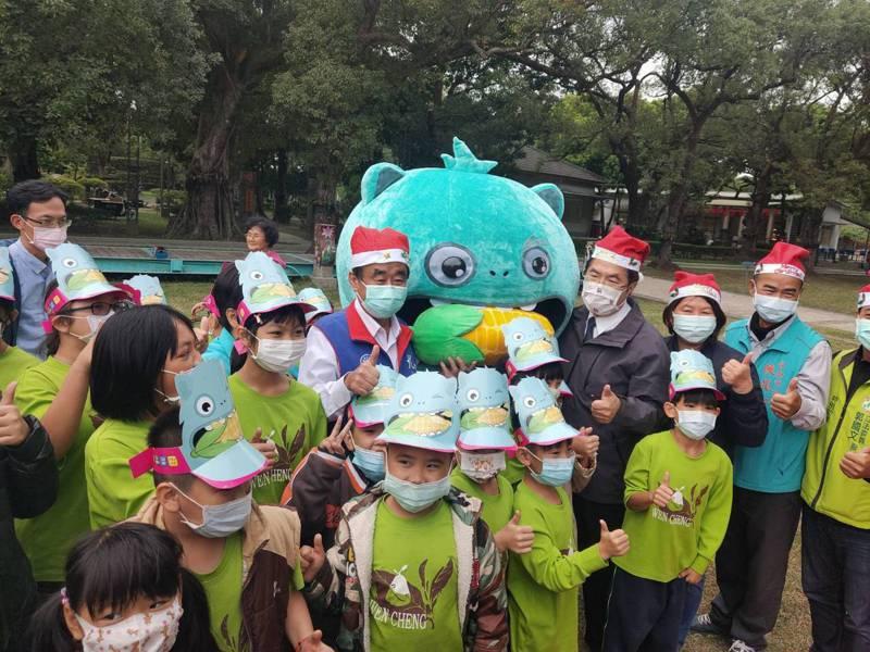 台南市耶誕跨年第一場5日下午在總爺藝文中心登場。記者吳淑玲/翻攝