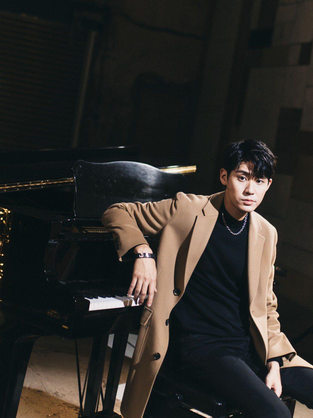 李玉璽新歌「渴望的魚」隨TVBS年度大戲「粉紅色時光」熱播爆紅。圖/老鷹音樂提供