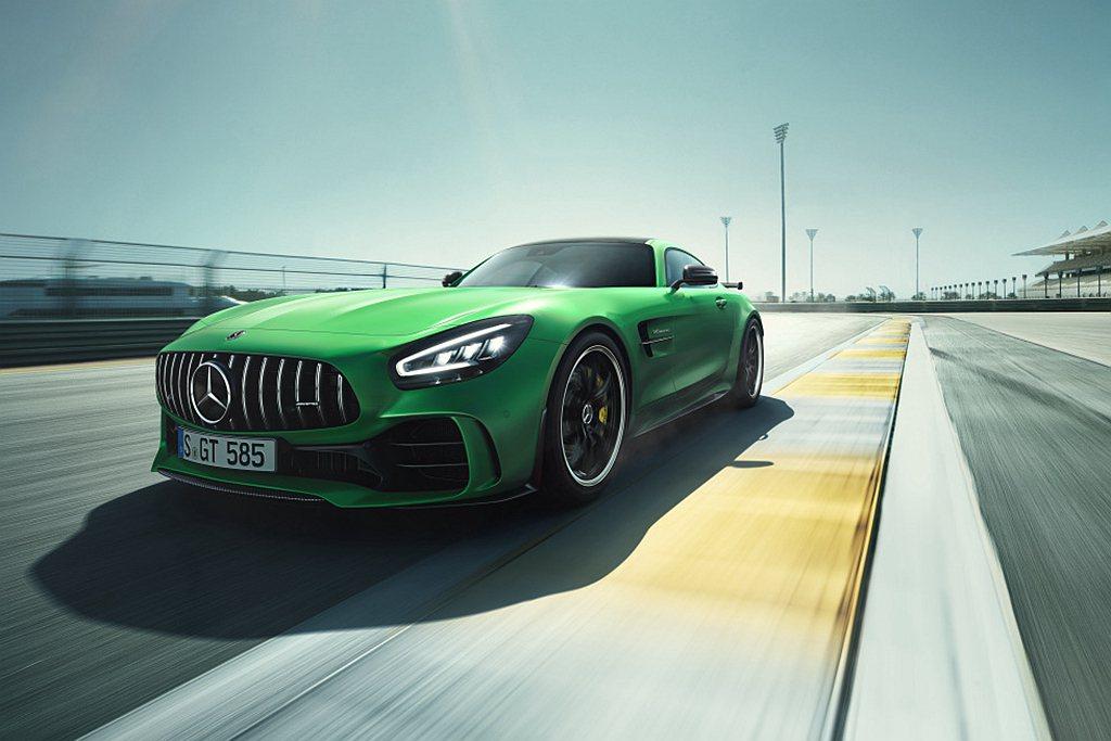小改款Mercedes-AMG GT、GT R台灣市場建議售價分別為697萬元起...