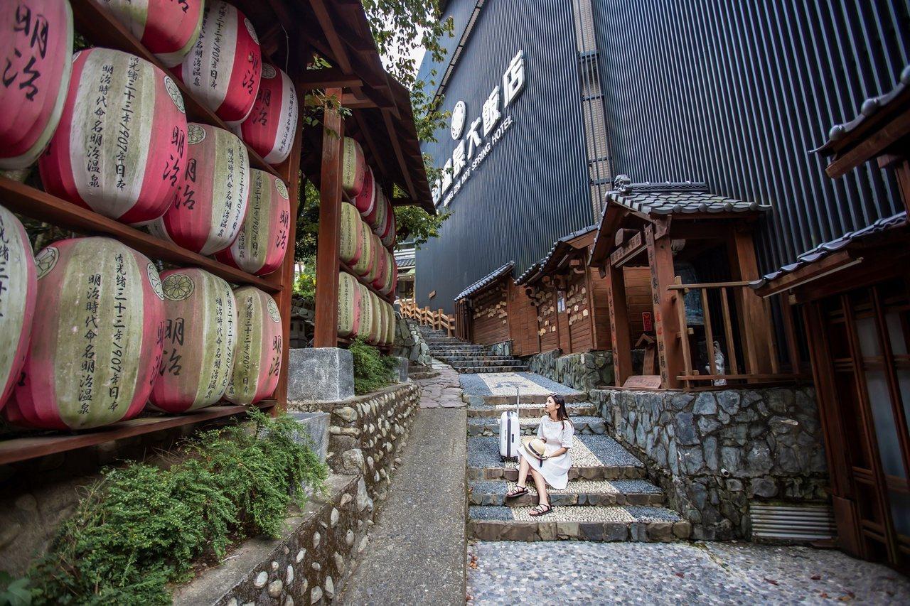 谷關溫泉區群山環繞,擁有天然美景,吸引不少飯店進駐。 圖/台中市政府提供
