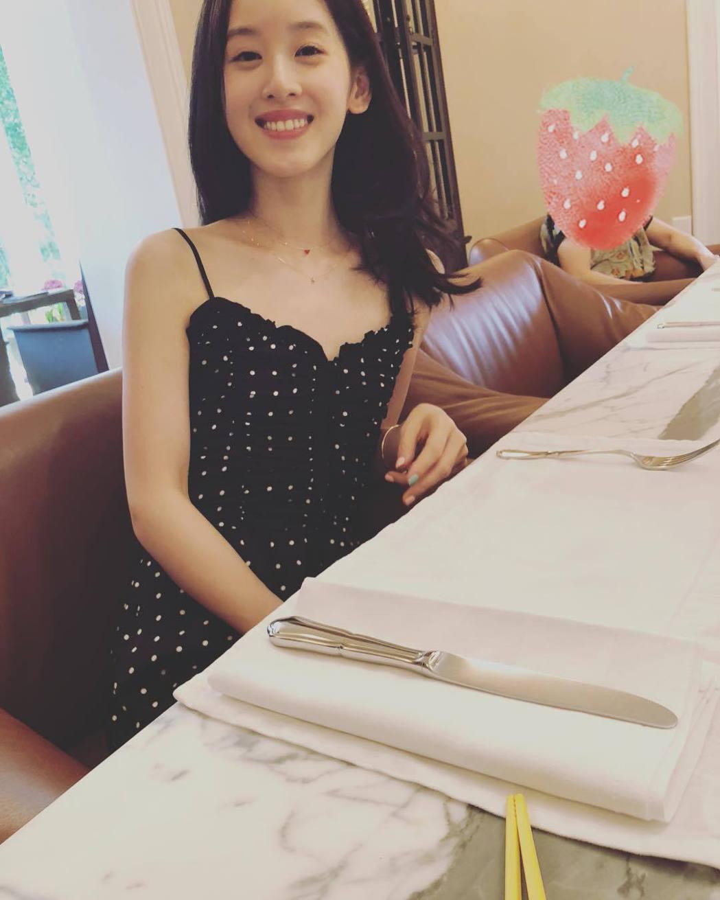 奶茶妹昔日模樣。圖/擷自instagram。