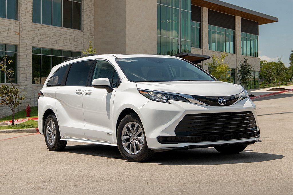 Toyota汽車於今年5月公布全新第四代Toyota Sienna完整資訊,不僅...