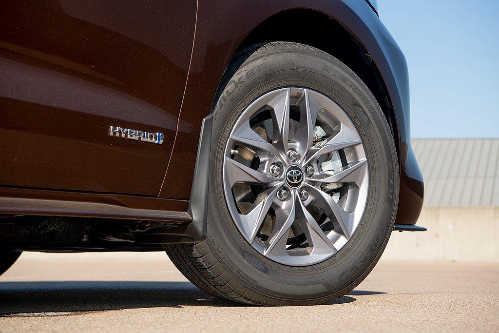 全新第四代Toyota Sienna變革之大,動力系統更是取消過往3.5L V6...