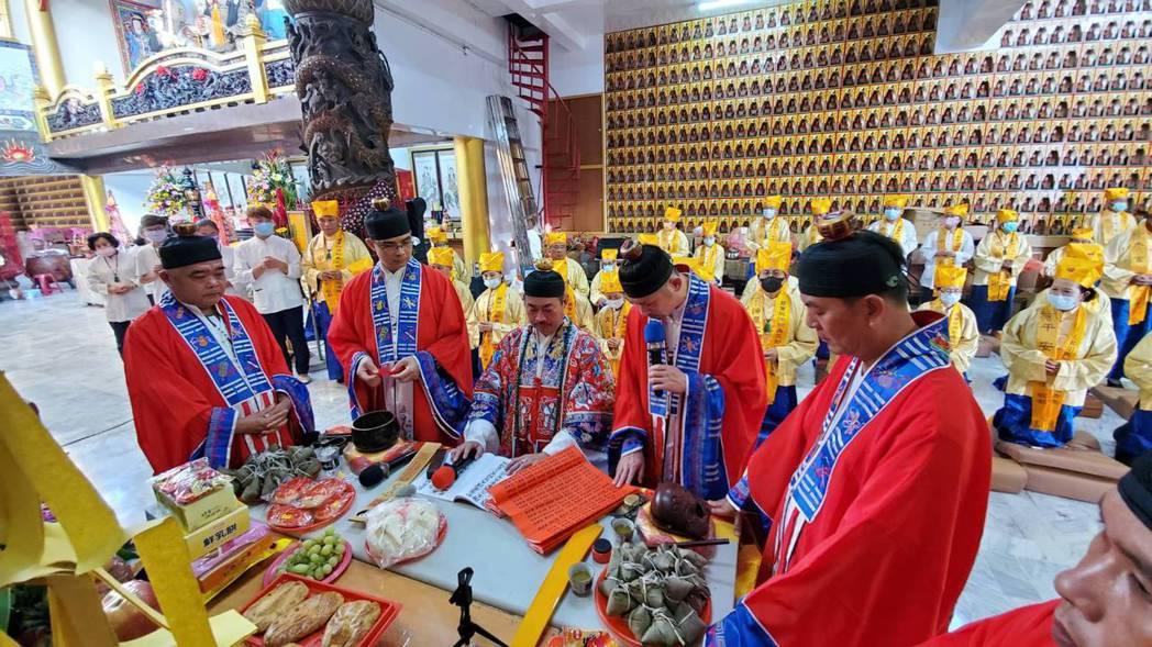 建廟60年的高雄道德院,於12/7(農曆10/23)起舉辦「慶成皇恩謝土福醮」一...