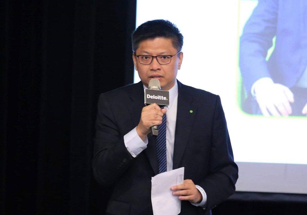 勤業眾信風險諮詢服務部資深執行副總經理溫紹群指出,台灣製造產業數位轉型應考量「人...