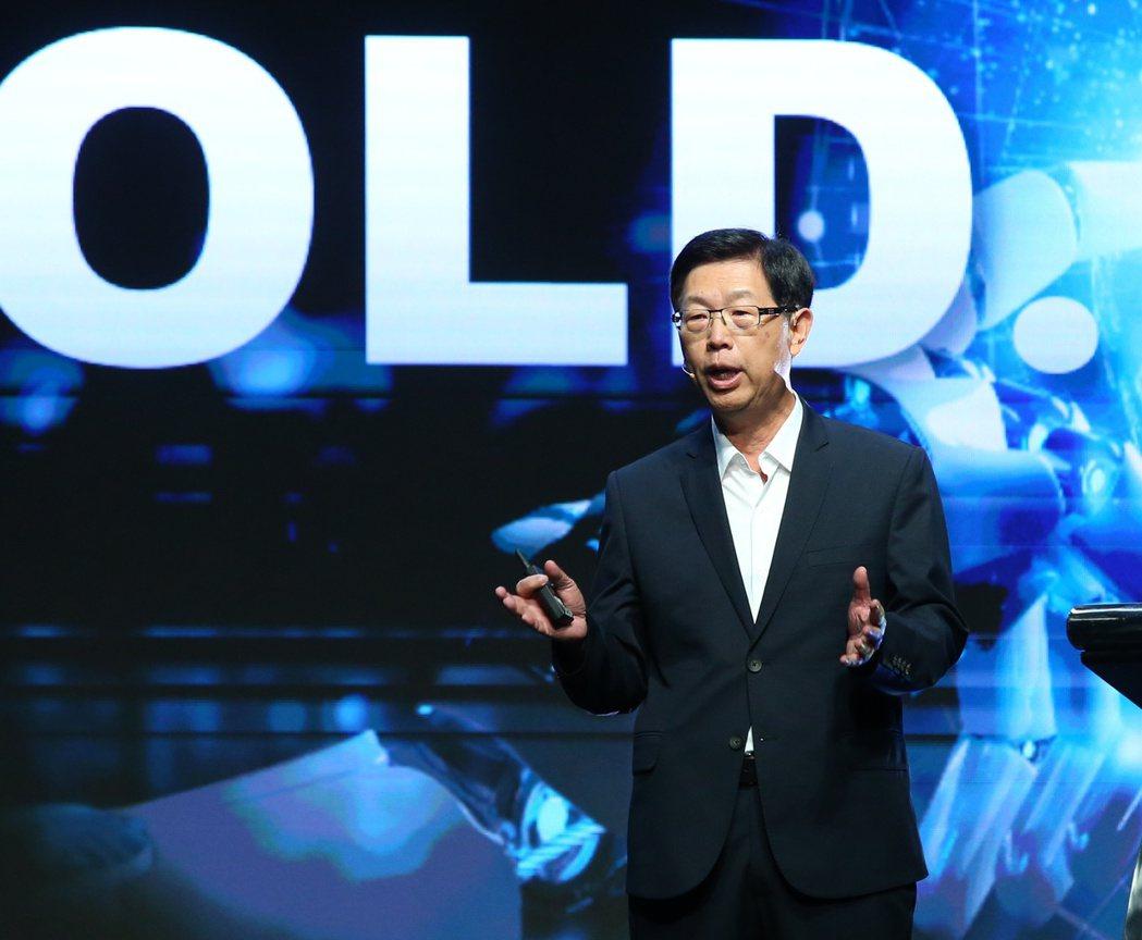 鴻海董事長劉揚偉行程滿檔,日前他才出席鴻海科技日,發表MIH開放平台,希望打造電...