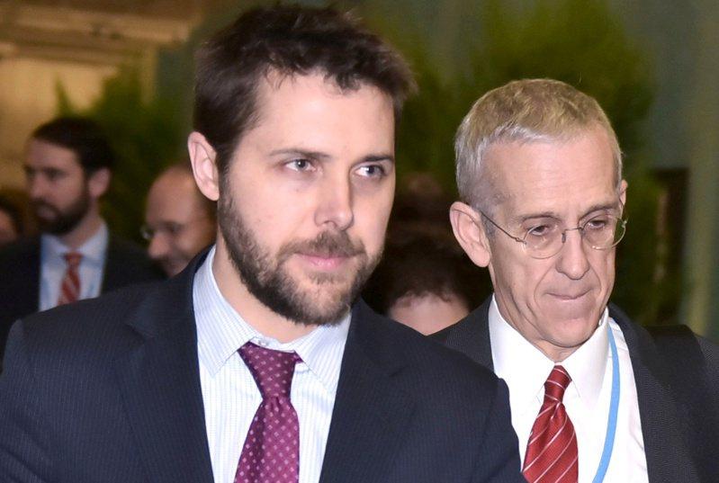 狄斯(Brian Deese(圖左)) 將擔任白宮國家經濟委員會主席。 路透社