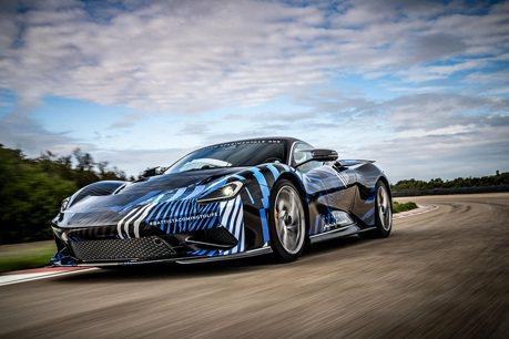 影/1,873匹馬力Automobili Pininfarina Battista電動超跑完成高速測試!