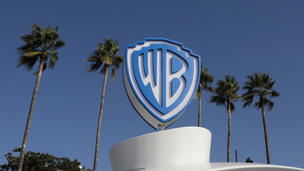 華納兄弟4日宣布,將在電影院和串流服務HBO MAX同步上映2021年所有的院線...