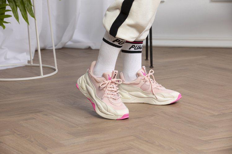 PUMA專為女性打造的限定配色RS-2K Streaming鞋3,980元。圖/...