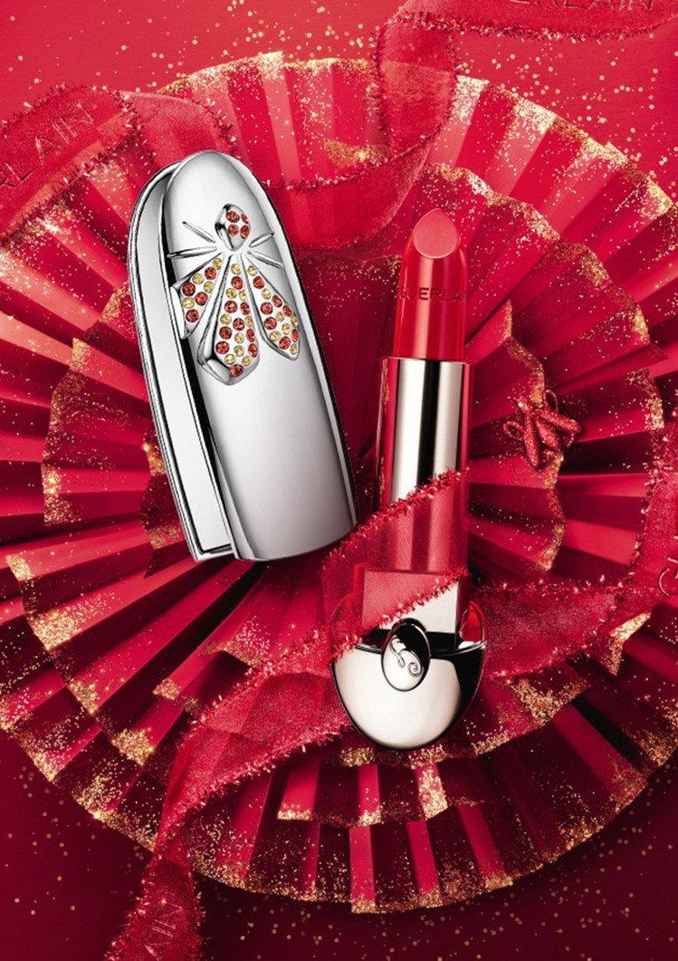 嬌蘭推出紅寶之吻燦紅金蜂限量典藏套組/11,200元。圖/嬌蘭提供