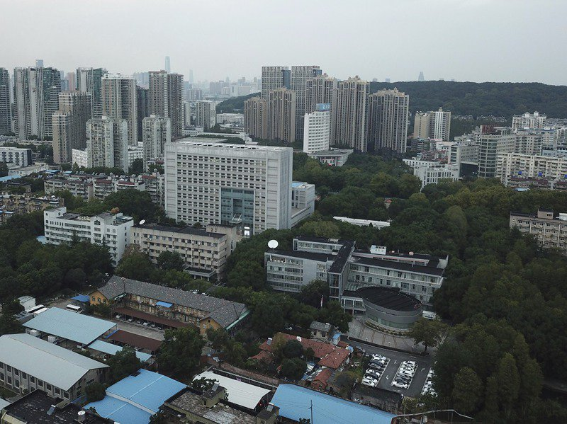 位於中國武漢市的湖北省疾控中心,攝於10月。美聯社