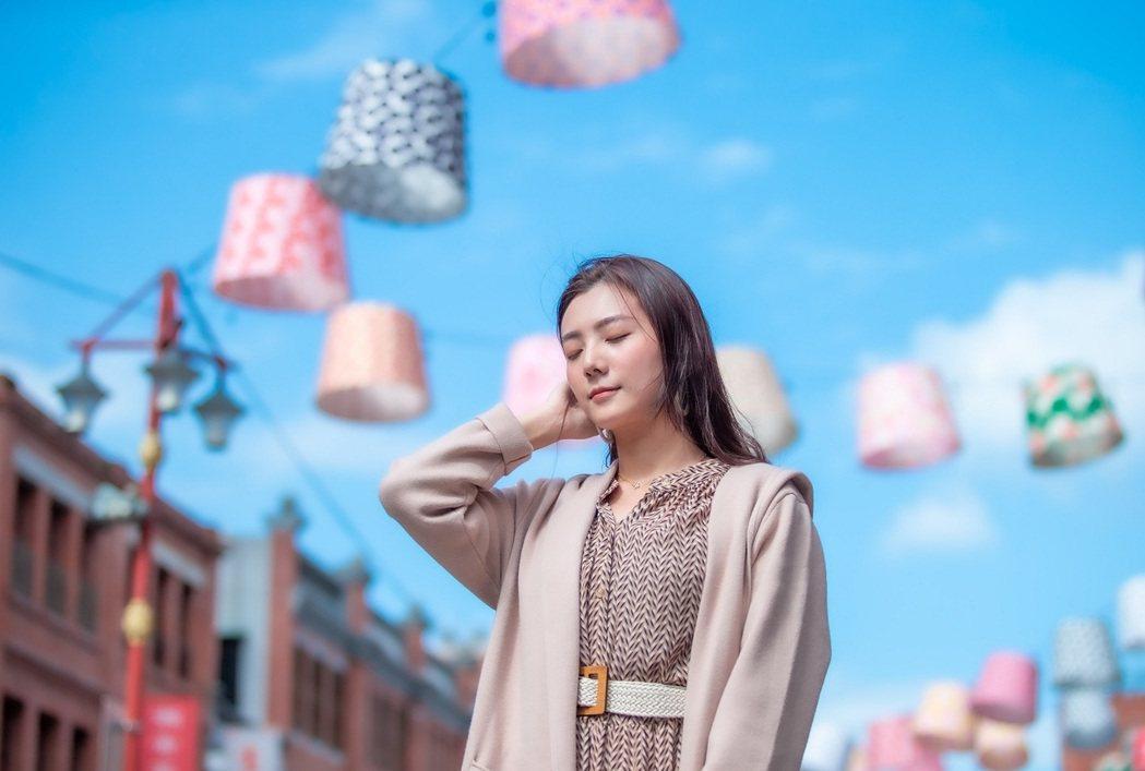 北門廣場的天空有布製燈籠裝飾,怎麼拍都好拍。 圖/北市觀傳局提供