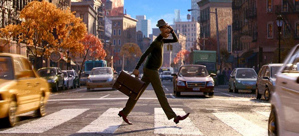 皮克斯最新動畫「靈魂急轉彎」美國跳過戲院,台灣將在耶誕節於戲院上映。圖/摘自im...