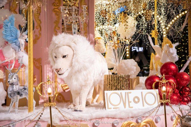 「夢幻旋轉木馬耶誕樂園」是超受歡迎的打卡景點。圖/台北101提供