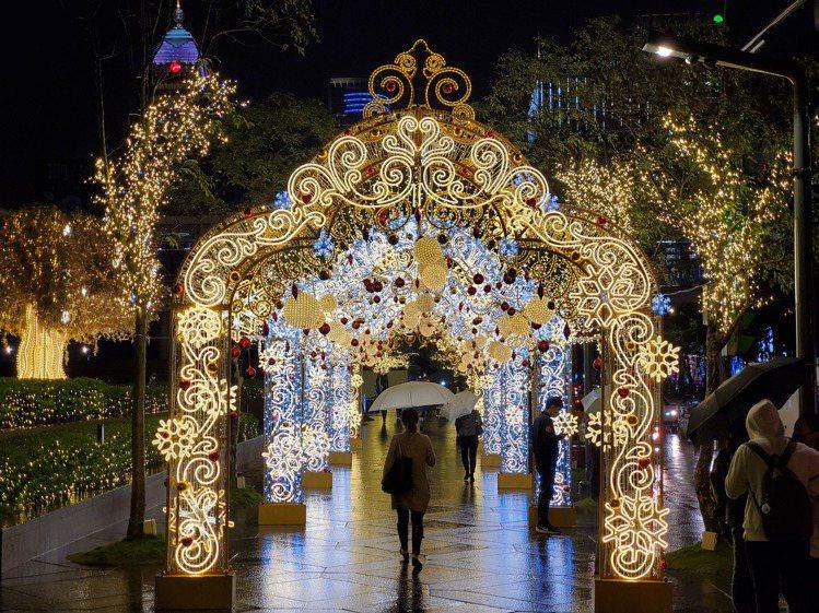 「許願皇宮」的燈景浪漫奢華。圖/台北101提供
