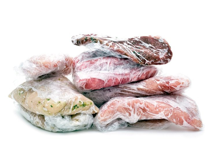 若食用未煮熟的牛肉,特別是吃半生不熟的牛排,可能會攝入沙門氏菌。圖/123RF