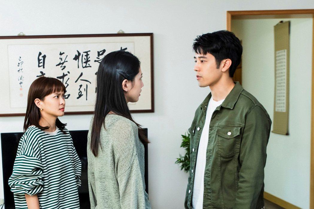 胡宇威(右起)、黃薇渟、葉星辰演出「王牌辯護人」。圖/東森提供