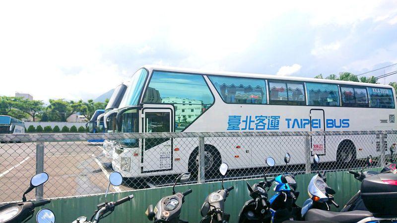 針對元旦連假,公路總局推出多項公共運輸優惠,優惠期間北花客運來回只要400元,轉乘、租車都有優惠。記者王燕華/攝影