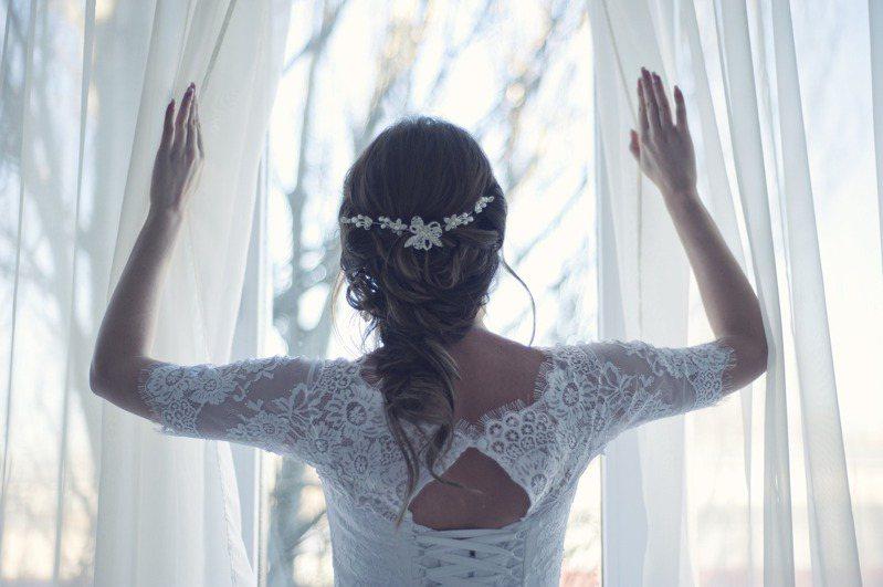 大學朋友要和女友準備結婚,沒想到女方家裡開了9大條件,讓人看了覺得像賣身契。 圖/pixabay