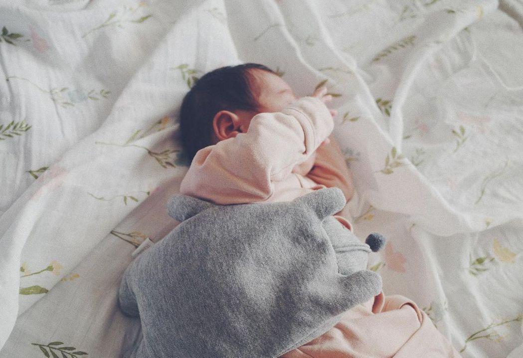 余文樂、王棠云二胎女兒出生。圖/摘自IG