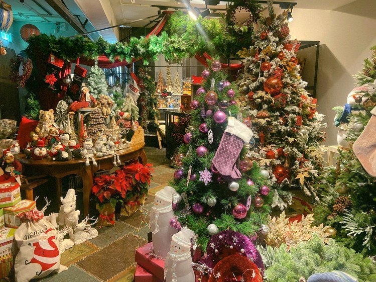 寬庭倉庫打造「聖誕市集」。圖/寬庭美學KUAN'S LIVING提供