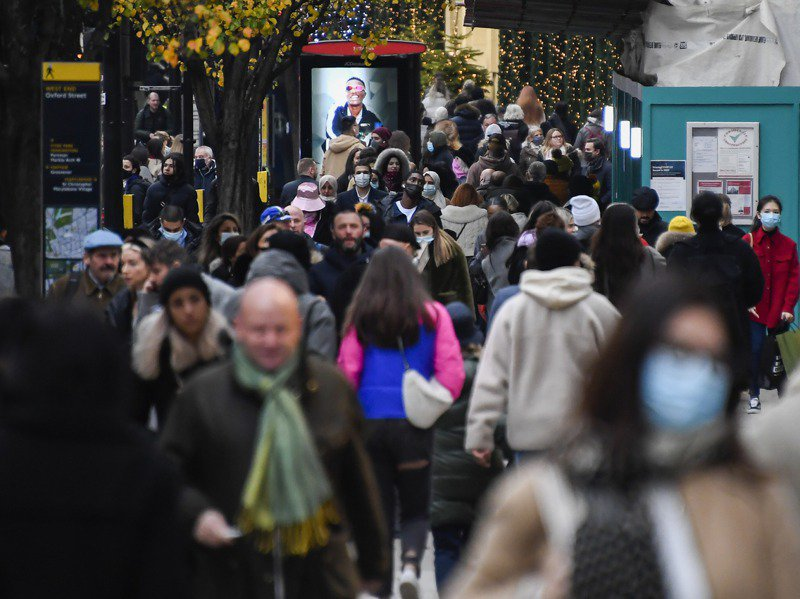 英國成為全球第一個核准輝瑞新冠肺炎疫苗緊急使用的國家。美聯社