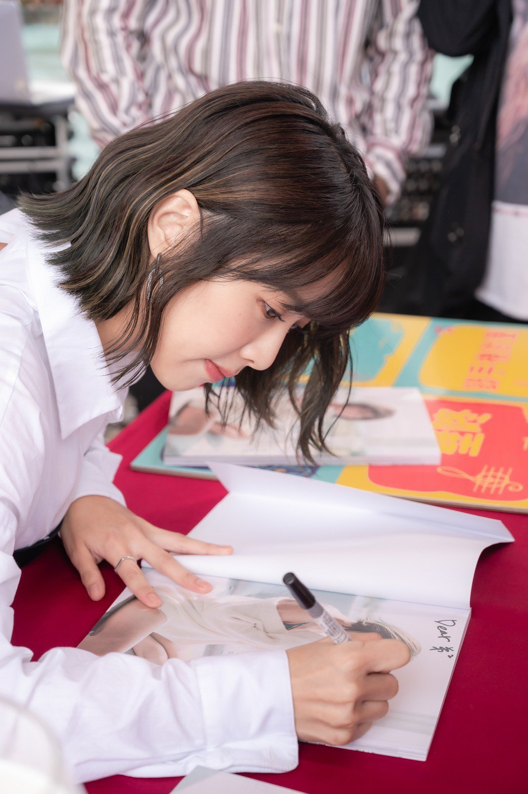 「大元」林艾璇出席個人寫真簽書會。圖/藝和創藝提供