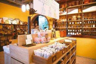 文創茶包裝禮盒產品展示台。記者陳正興/攝影