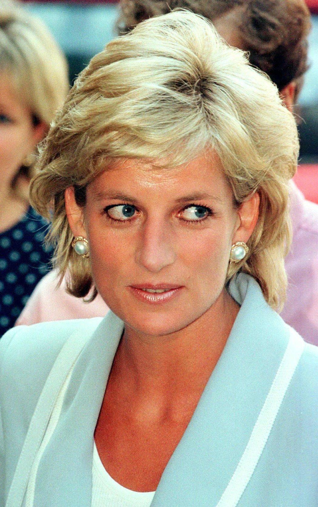 黛安娜雖已去世超過20年,依舊受到廣大英國民眾喜愛、懷念。圖/路透資料照片