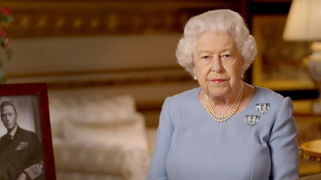 伊莉莎白二世女王也被捲進「王冠」的情節爭議風波中。圖/路透資料照片
