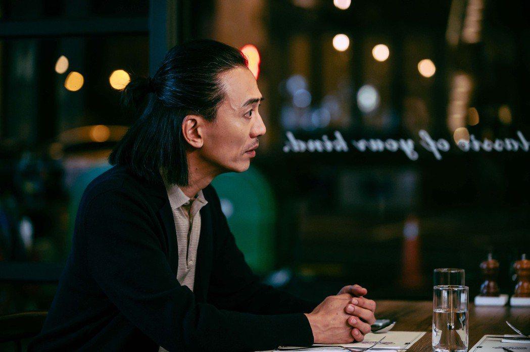單承矩在「粉紅色時光」飾演林秀君老公「何皓東」。圖/TVBS提供