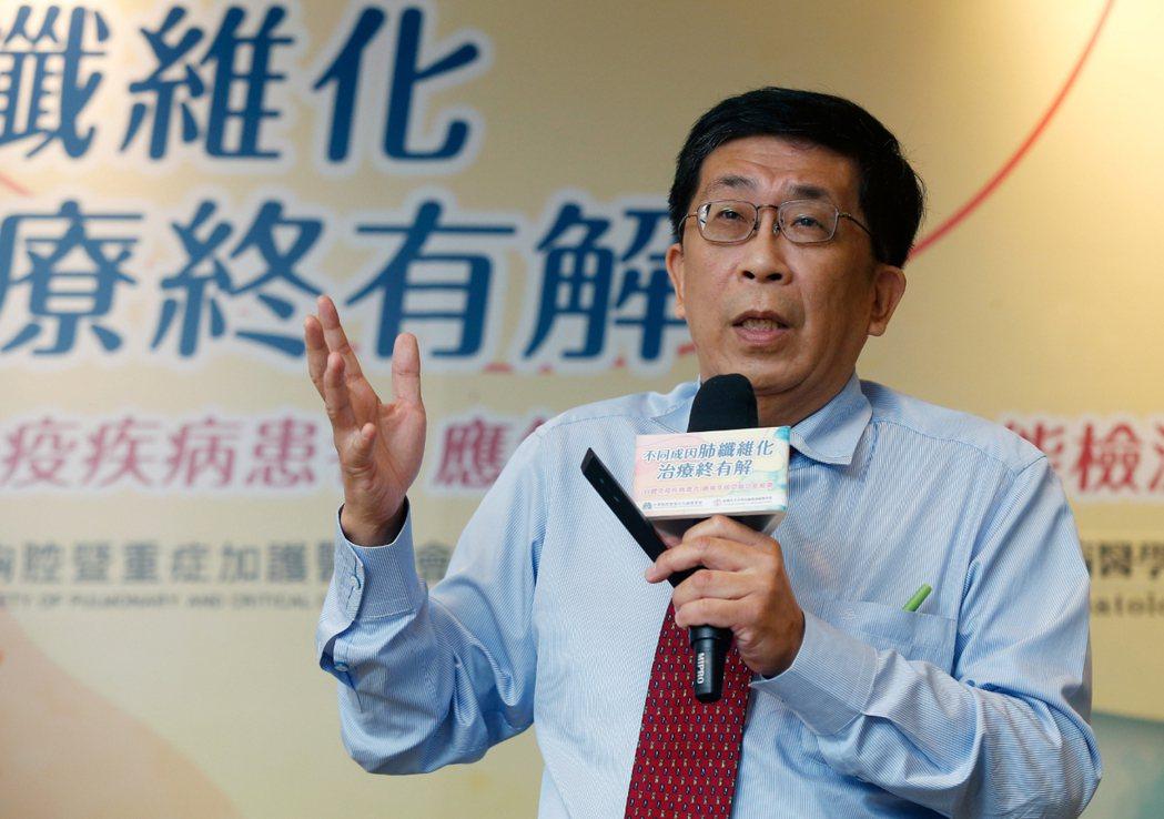 中華民國風濕病醫學會理事長蔡長祐。記者鄭超文/攝影