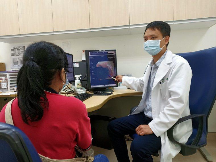 榮總新竹分院胃腸科醫師蔡志奇表示,胃食道逆流是國人常見的消化性疾病之一,根據統計...