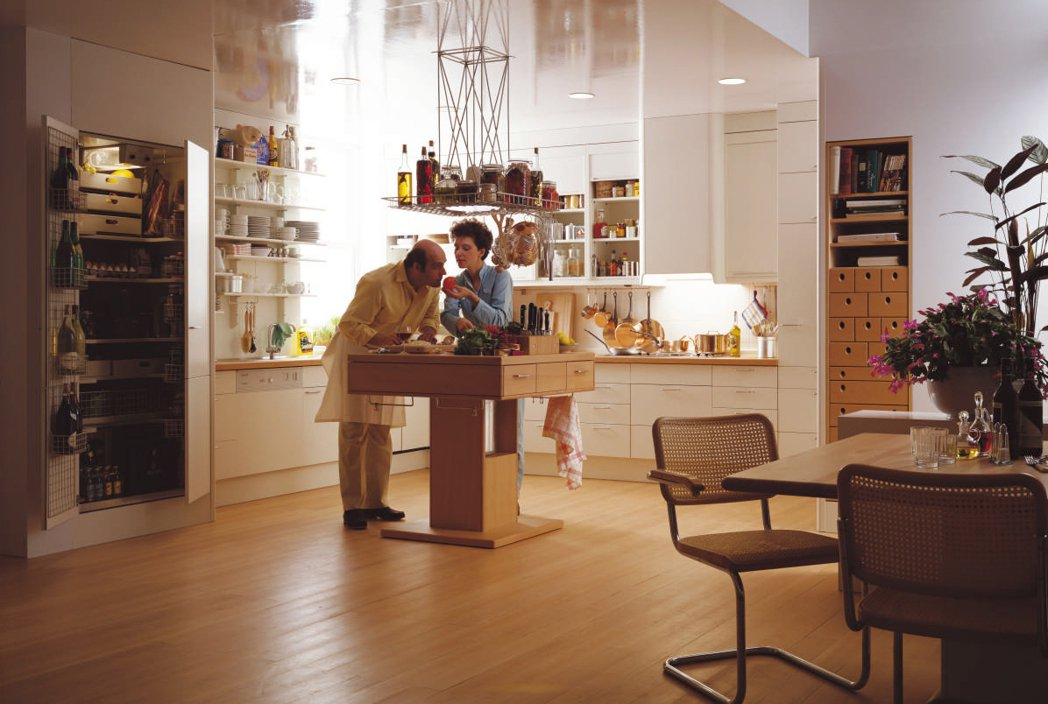 全球第一座廚房中島原型「System b」,徹底改寫日後人們對於廚房空間的理解與...