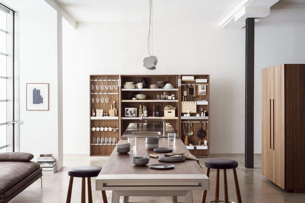 2008年bulthaup推出b2 廚房工作坊。 圖/楠弘廚衛提供