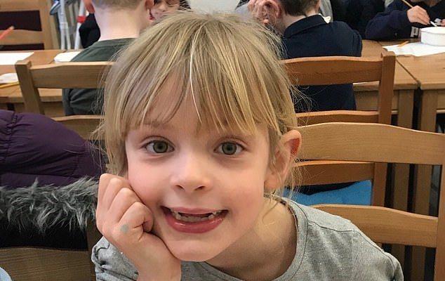 英國7歲女童三月中在當地母親節那天,被一名30歲女子刺喉身亡。圖/取自dailymail