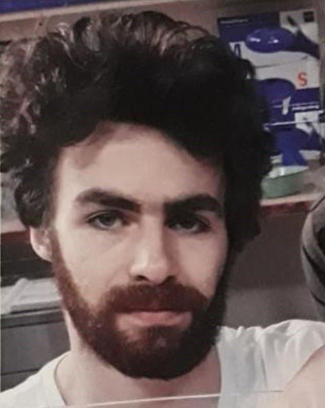 澳洲23歲電玩迷因7周大兒子哭聲干擾他玩PlayStation遊戲,一時氣憤失手殺死兒子。圖/取自dailymail