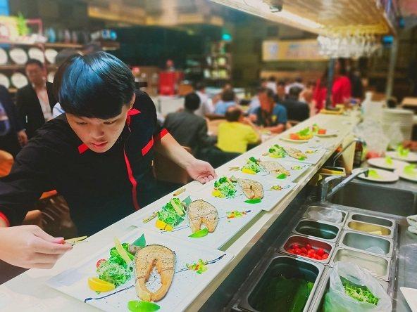 蘇耐吉廚房高貴不貴,平均套餐消費都在三百元~四百元左右,就可吃到極致泰式餐點。 ...