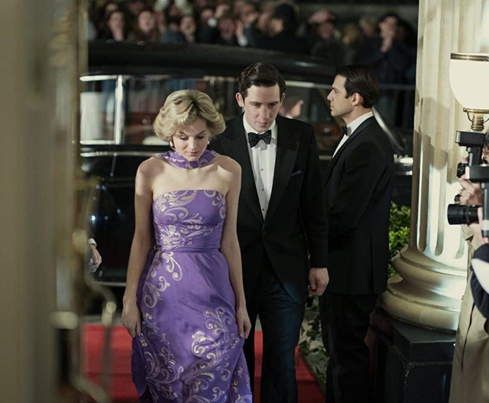 最新一季「王冠」播出後,查爾斯王子(中)的人氣再往下滑。圖/摘自Netflix