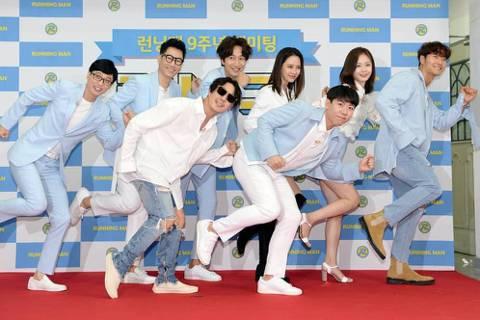 韓國綜藝節目「Running Man」最新一集的遊戲道具將中華民國國旗和五星旗並列,引發中國網友揚言抵制。截至發稿,中國社群網站新浪微博已將「Running Man」列為非法詞彙,禁止搜尋。以民族主...