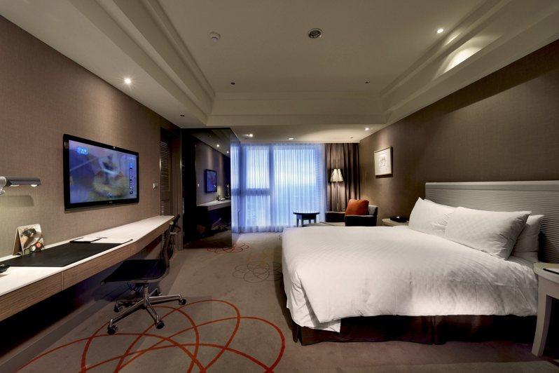 新竹老爺酒店指出表示,即日起開放預訂2021春節住房,並且於2020年12月31日前預訂完成即可享有早鳥優惠,每房每晚只要3870元起。圖/新竹老爺酒店提供