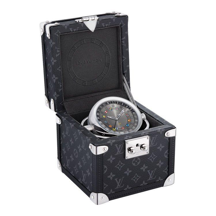 路易威登桌鐘硬箱,13萬2,000元。圖/路易威登提供