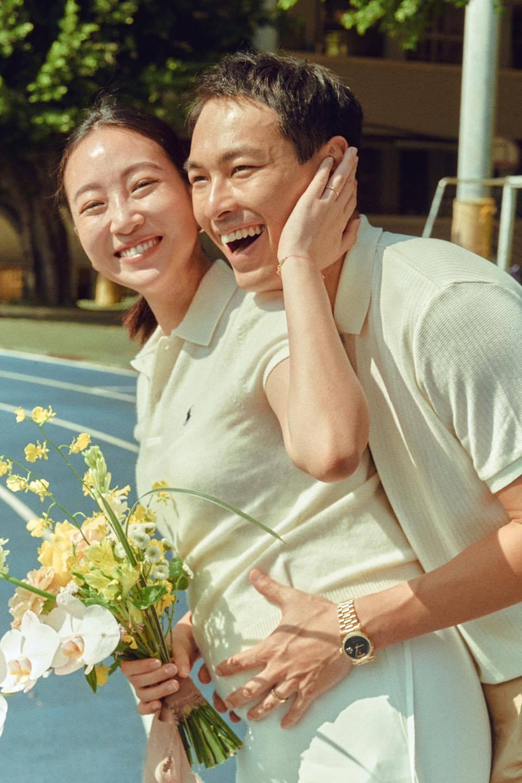 楊祐寧(右)選在9月9日宣布和老婆Melinda(左)登記結婚。圖/摘自臉書