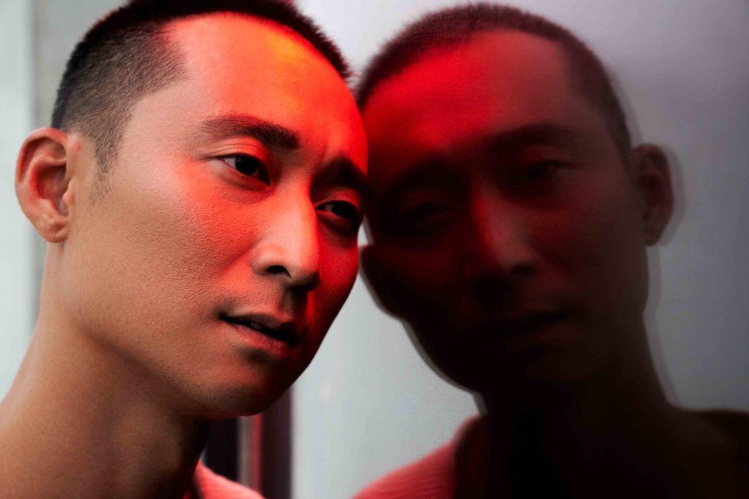 浩子出道17年終於推出個人首張台語專輯「共你惜惜」。圖/時代創藝提供