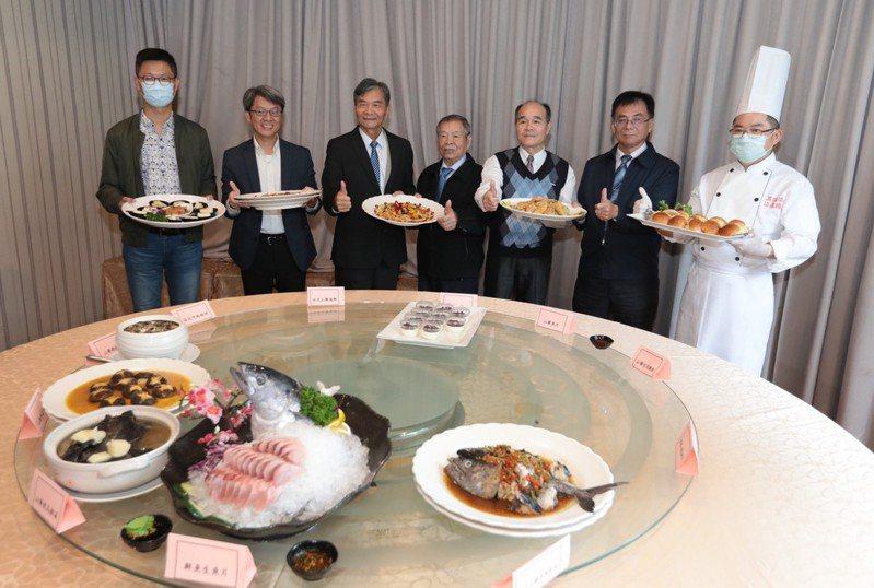 基市府和市農會今天舉辦山藥風味餐推廣活動,10道料理只要4500元,9日起接受訂桌。圖/基隆市政府提供